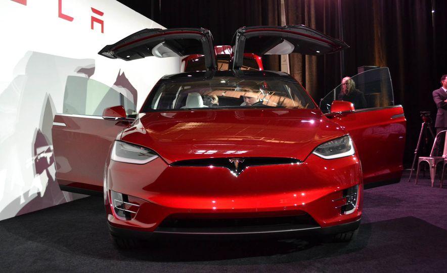 2016 Tesla Model X - Slide 5