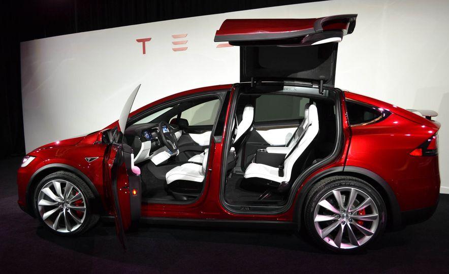 2016 Tesla Model X - Slide 6