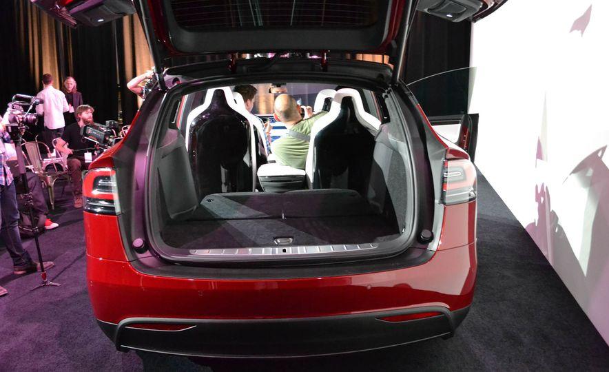 2016 Tesla Model X - Slide 10