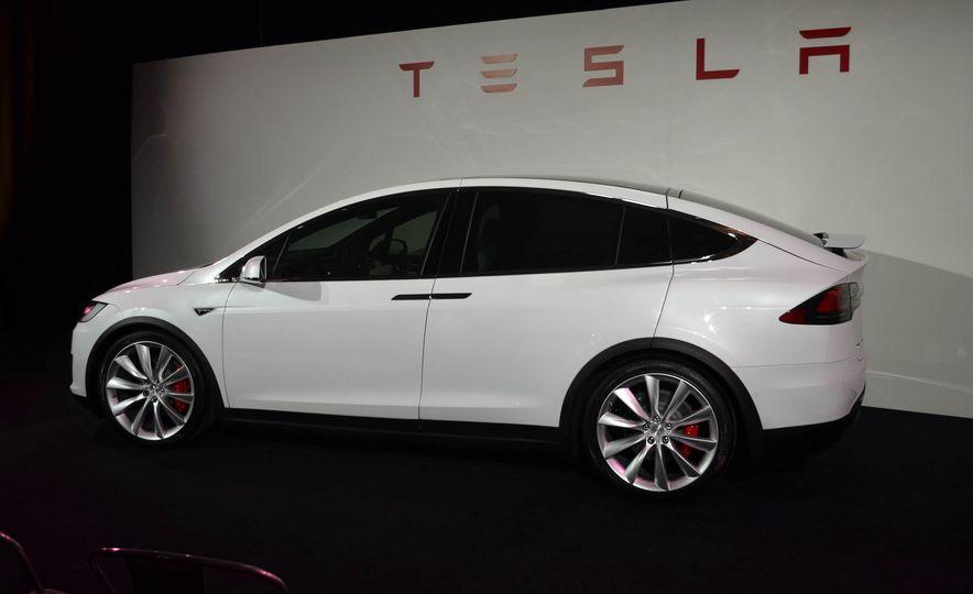 2016 Tesla Model X - Slide 12