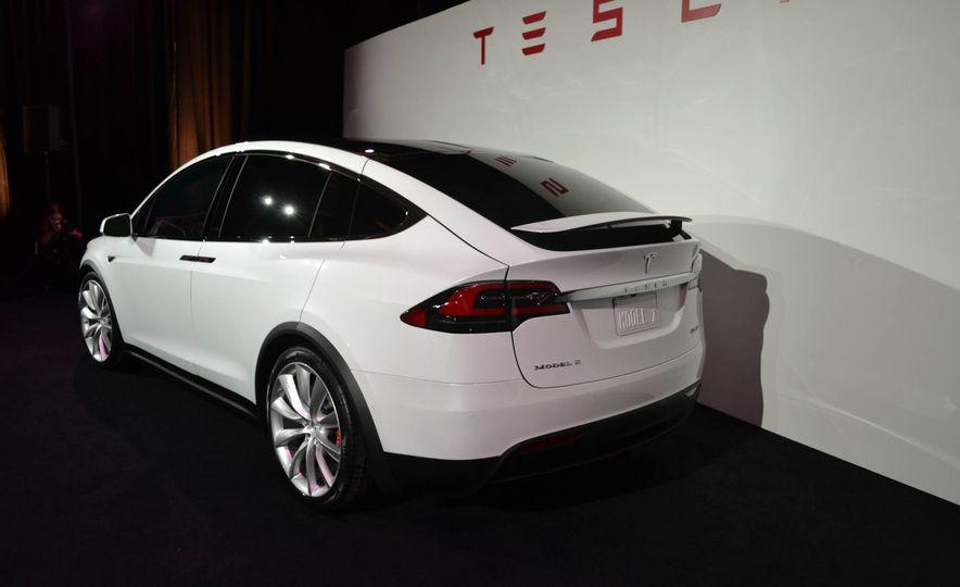 2016 Tesla Model X - Slide 13