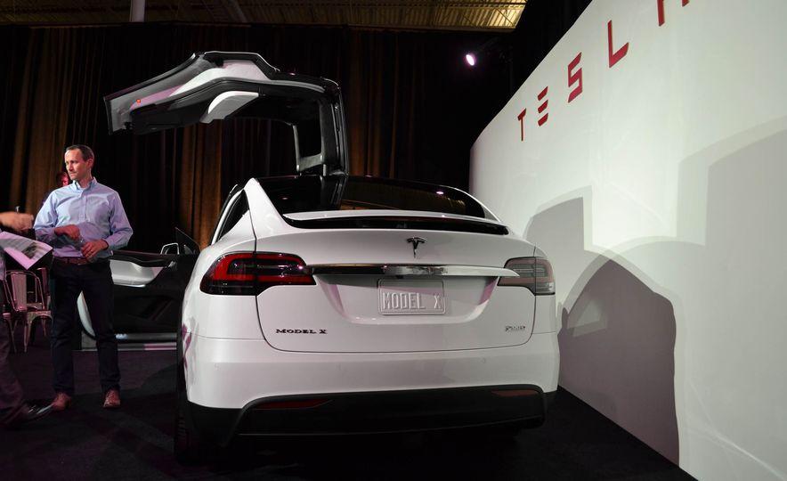 2016 Tesla Model X - Slide 14