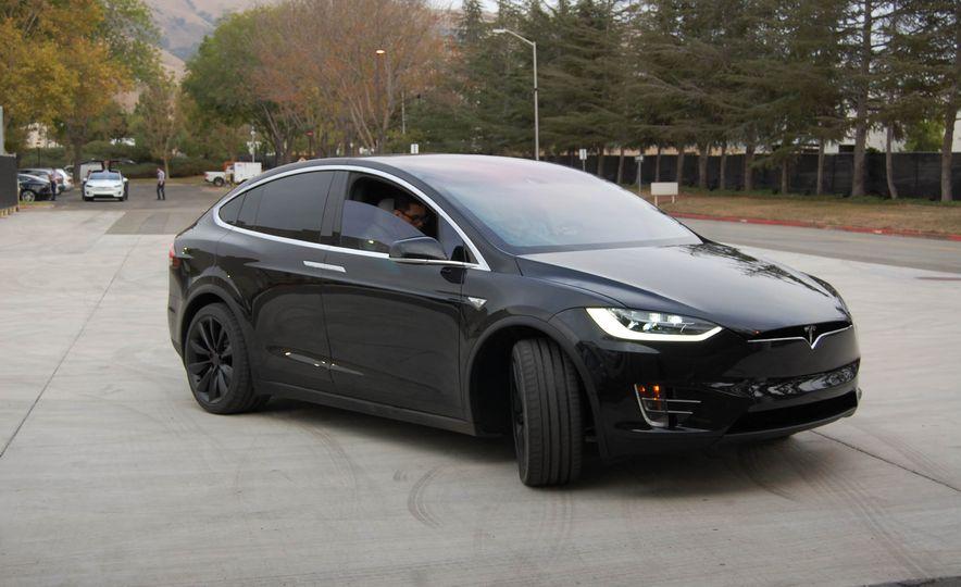 2016 Tesla Model X - Slide 16