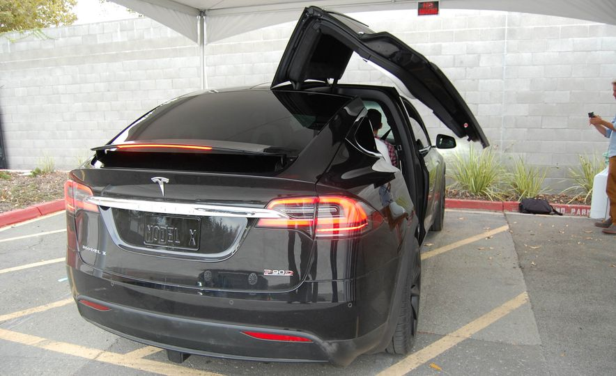 2016 Tesla Model X - Slide 19