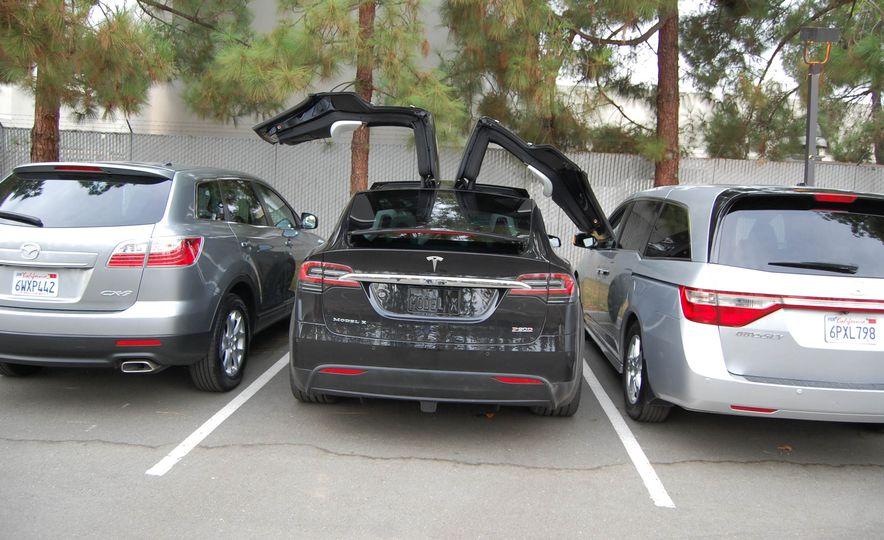 2016 Tesla Model X - Slide 21