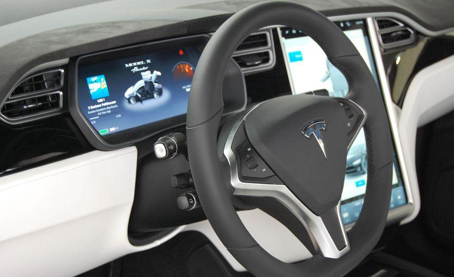 2016 Tesla Model X - Slide 23