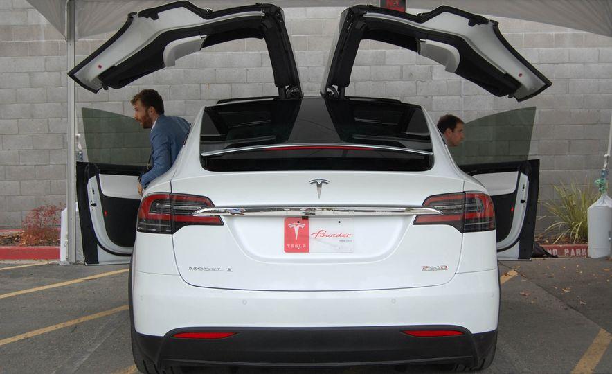 2016 Tesla Model X - Slide 27