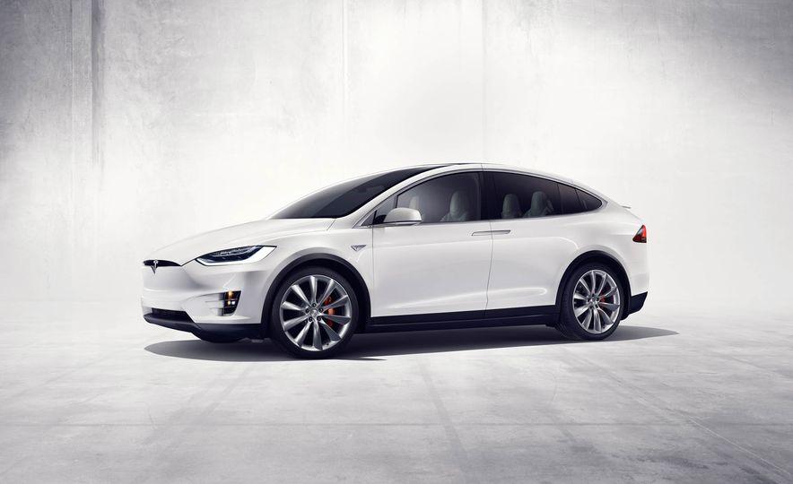 2016 Tesla Model X - Slide 30