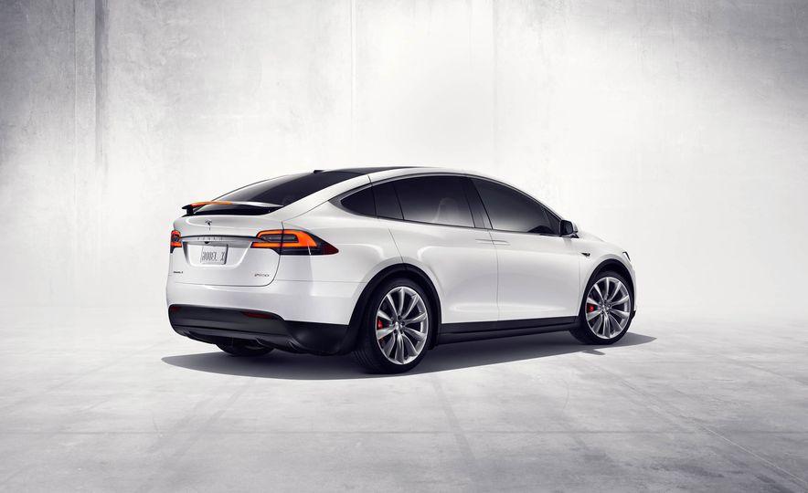 2016 Tesla Model X - Slide 34