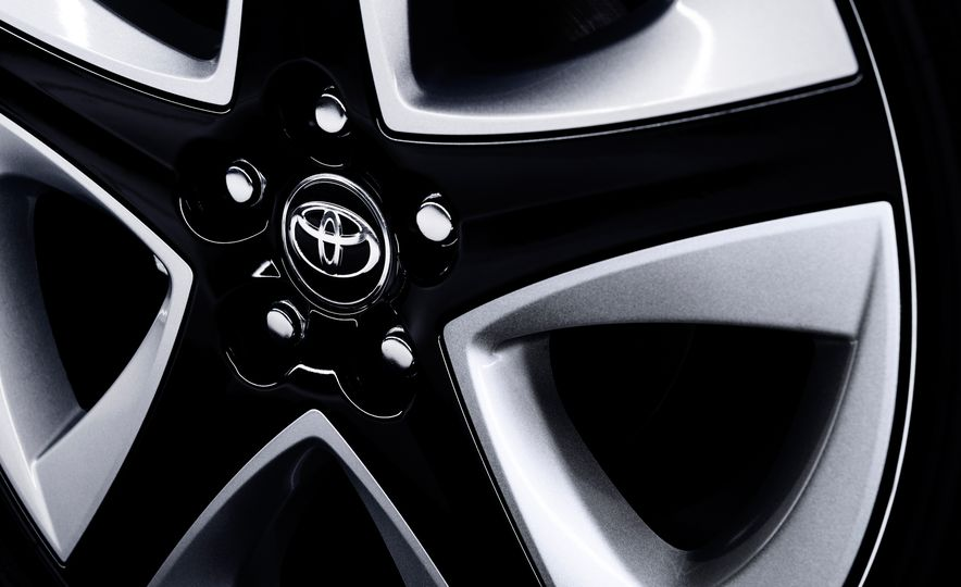 2016 Toyota Prius - Slide 50