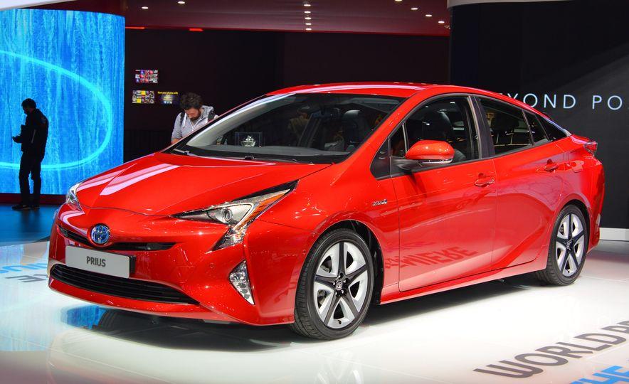 2016 Toyota Prius - Slide 1