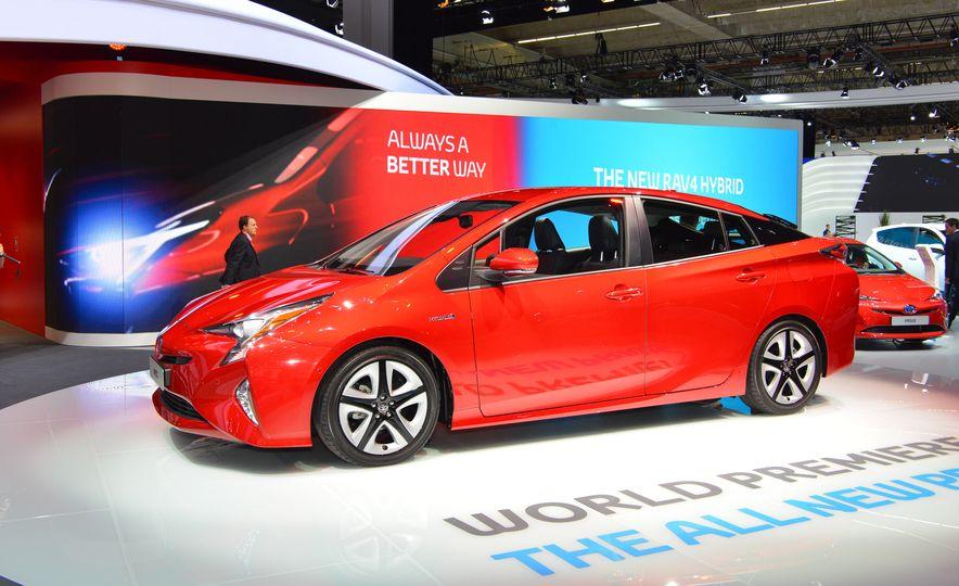 2016 Toyota Prius - Slide 4