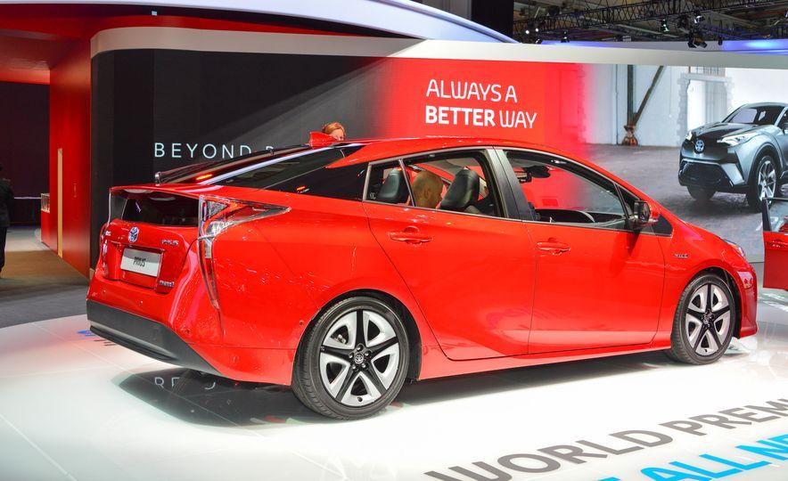 2016 Toyota Prius - Slide 8