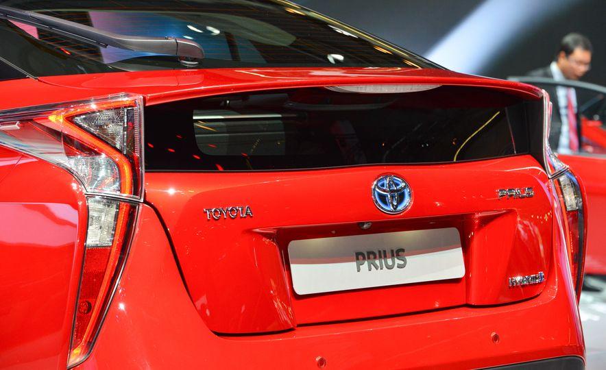 2016 Toyota Prius - Slide 10