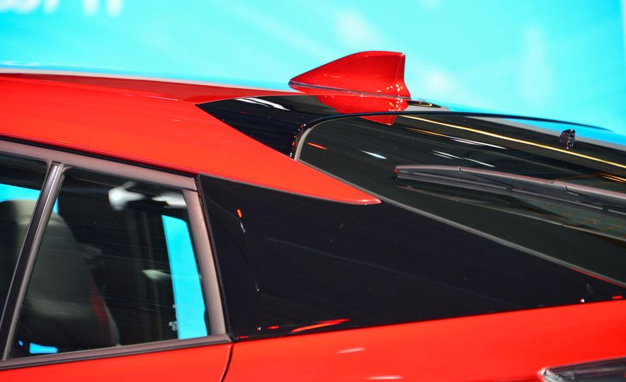 2016 Toyota Prius - Slide 11