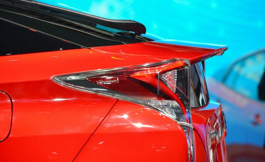 2016 Toyota Prius - Slide 12