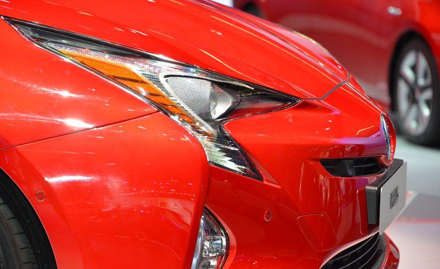 2016 Toyota Prius - Slide 15