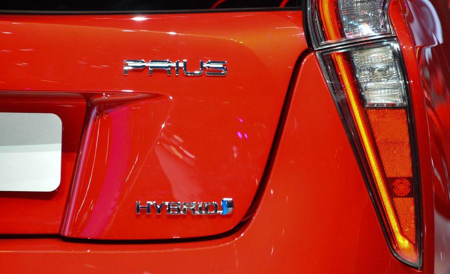 2016 Toyota Prius - Slide 17