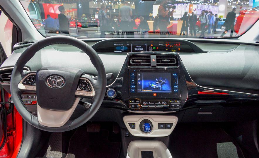 2016 Toyota Prius - Slide 21