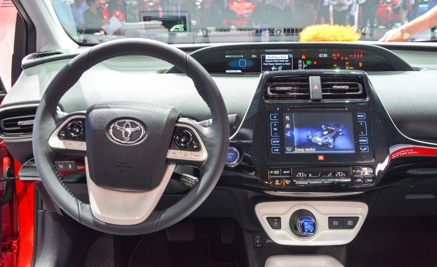 2016 Toyota Prius - Slide 22