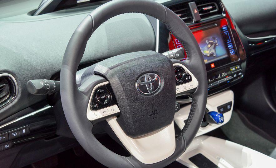 2016 Toyota Prius - Slide 25