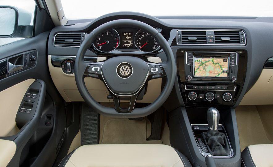 Volkswagen Beetle Dune hybrid concept - Slide 35