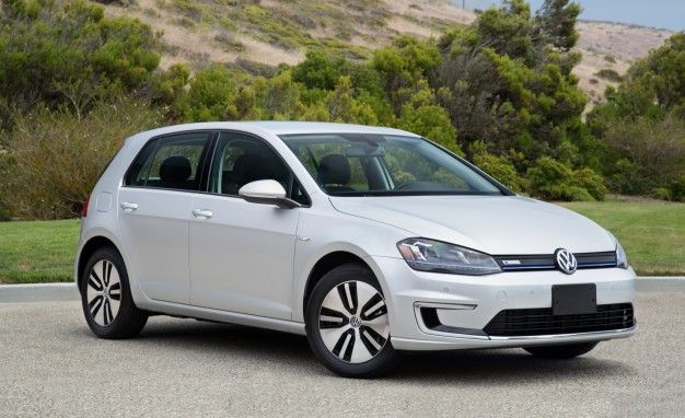 Updated Volkswagen Golf to Debut This Fall, R400 Maybe Never