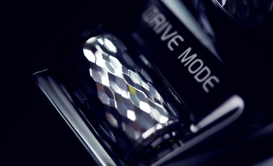 2016 Volvo XC90 T6 AWD Inscription - Slide 18