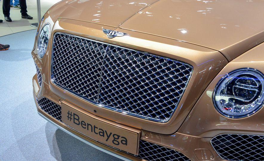 2017 Bentley Bentayga - Slide 7