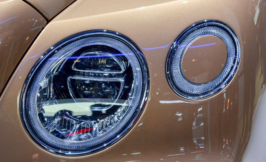 2017 Bentley Bentayga - Slide 9