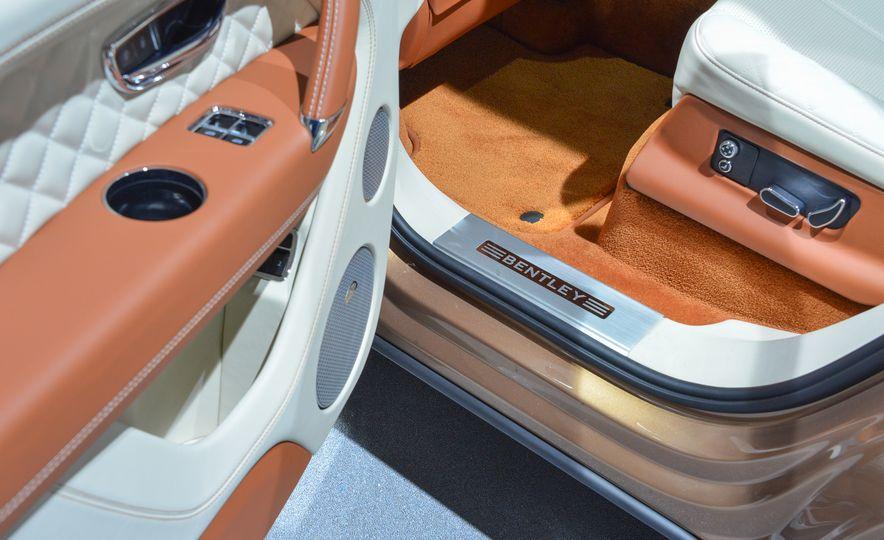 2017 Bentley Bentayga - Slide 13