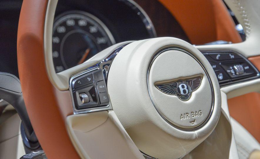2017 Bentley Bentayga - Slide 15