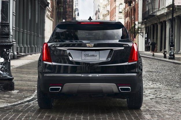 2017 Cadillac XT5 Poses for Its First Official Pictures