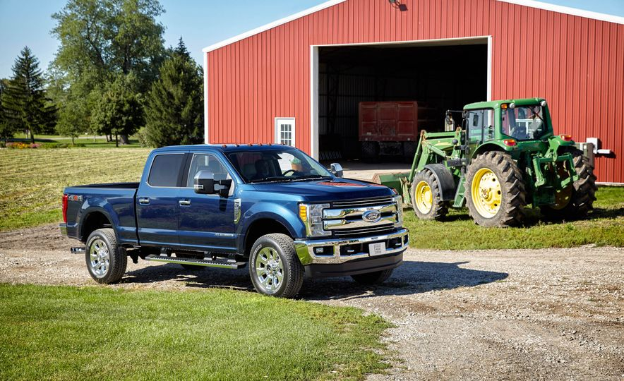 2017 Ford F-250 Super Duty XLT and 2017 Ford F-250 Super Duty XL - Slide 8