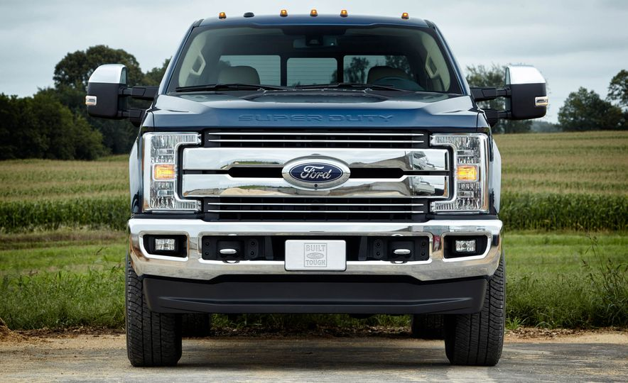 2017 Ford F-250 Super Duty XLT and 2017 Ford F-250 Super Duty XL - Slide 9