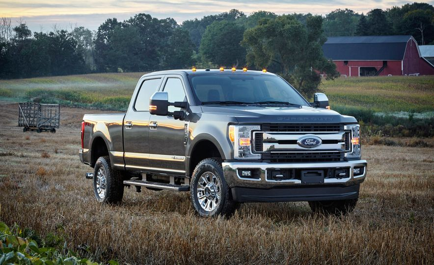 2017 Ford F-250 Super Duty XLT and 2017 Ford F-250 Super Duty XL - Slide 15