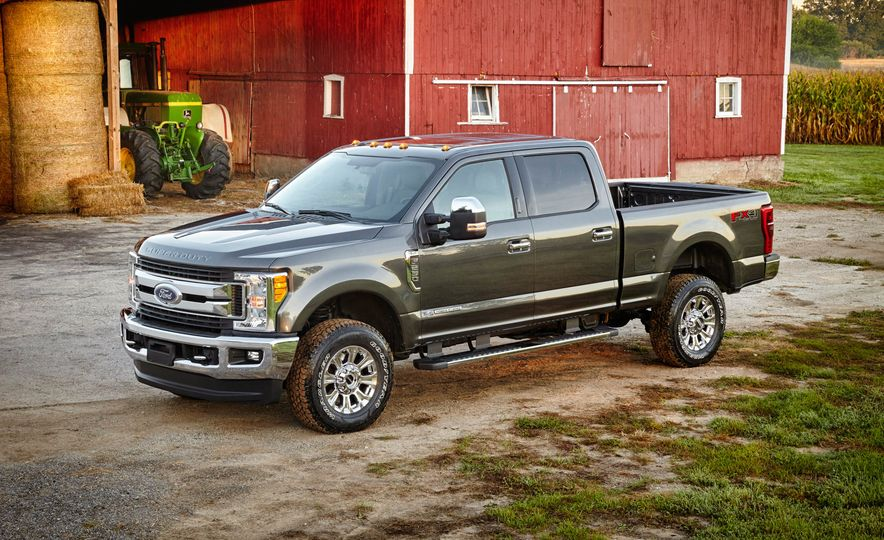 2017 Ford F-250 Super Duty XLT and 2017 Ford F-250 Super Duty XL - Slide 16