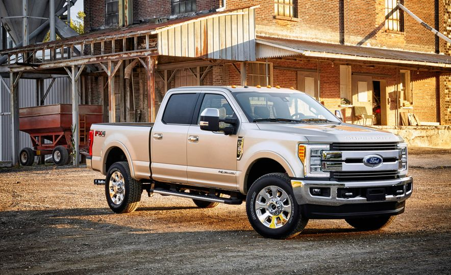 2017 Ford F-250 Super Duty XLT and 2017 Ford F-250 Super Duty XL - Slide 34