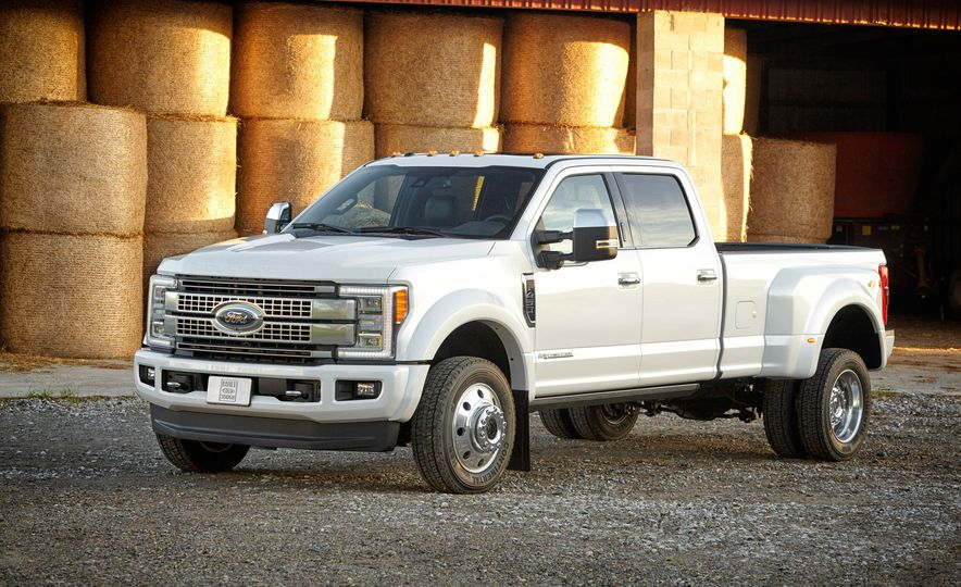2017 Ford F-250 Super Duty XLT and 2017 Ford F-250 Super Duty XL - Slide 45