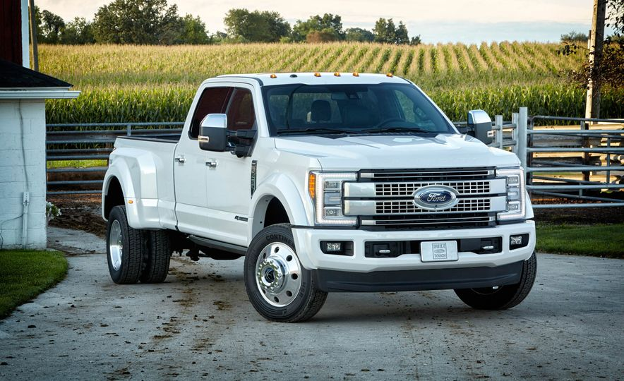 2017 Ford F-250 Super Duty XLT and 2017 Ford F-250 Super Duty XL - Slide 48