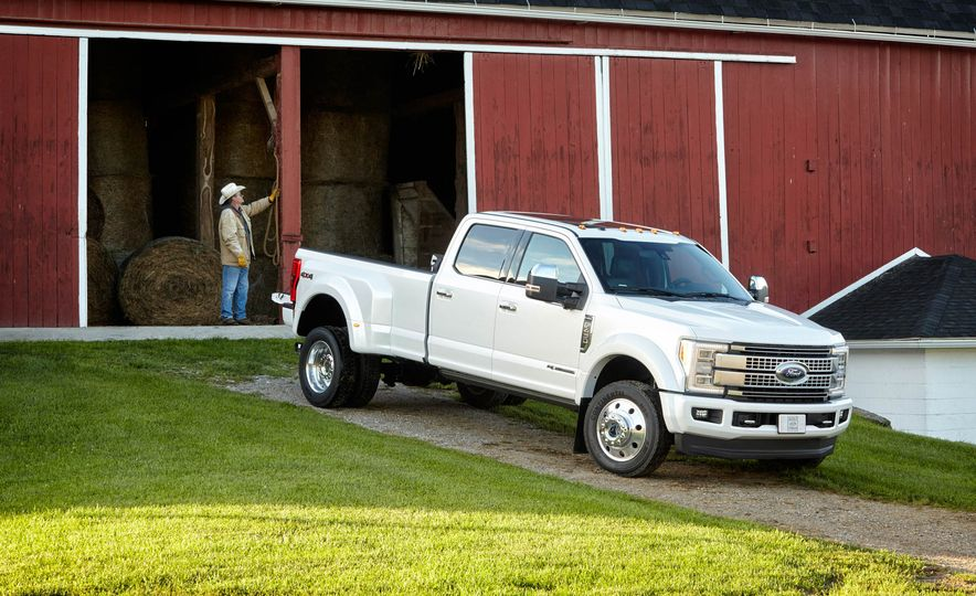 2017 Ford F-250 Super Duty XLT and 2017 Ford F-250 Super Duty XL - Slide 49