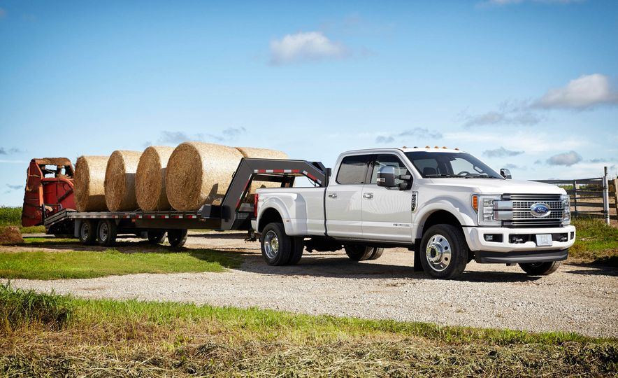 2017 Ford F-250 Super Duty XLT and 2017 Ford F-250 Super Duty XL - Slide 50