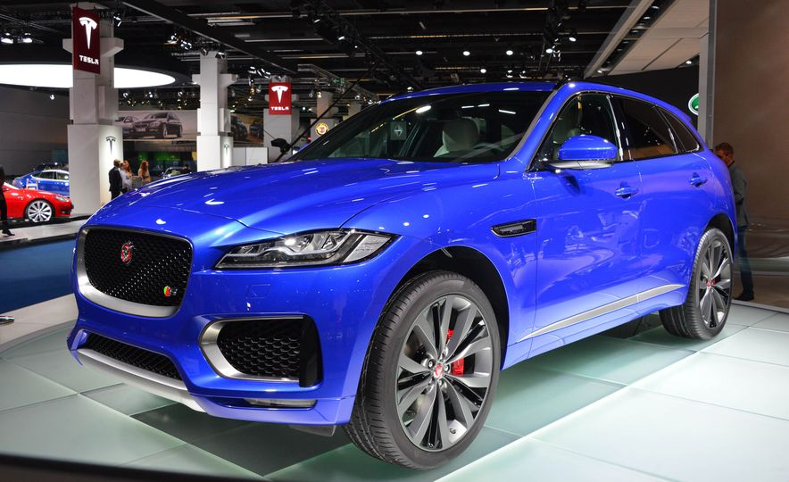 2017 Jaguar F-Pace - Slide 1