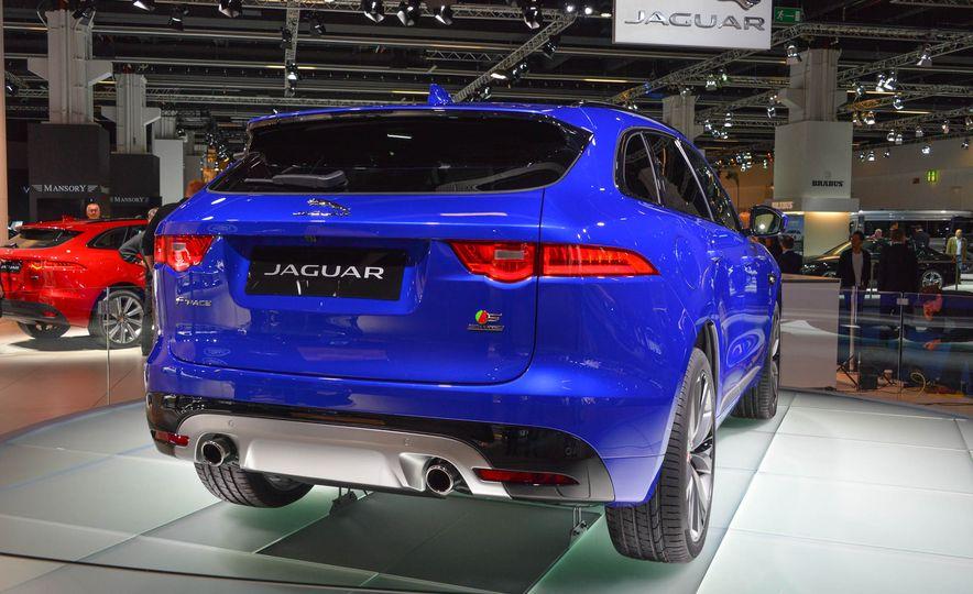 2017 Jaguar F-Pace - Slide 3