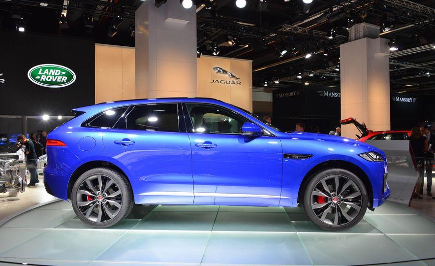2017 Jaguar F-Pace - Slide 4