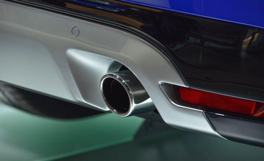 2017 Jaguar F-Pace - Slide 12