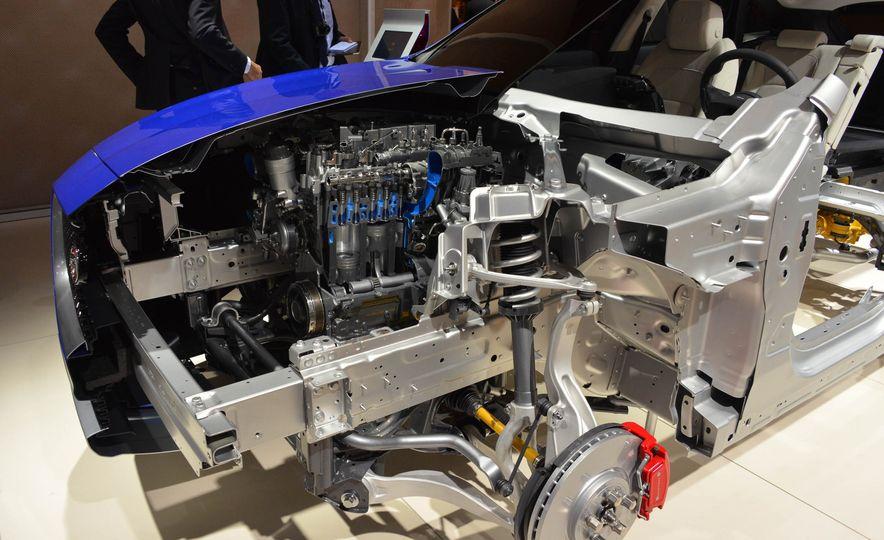2017 Jaguar F-Pace - Slide 21