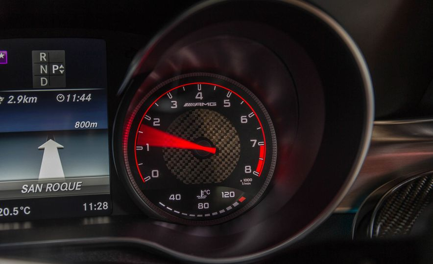 2017 Mercedes-AMG C63 coupe - Slide 38