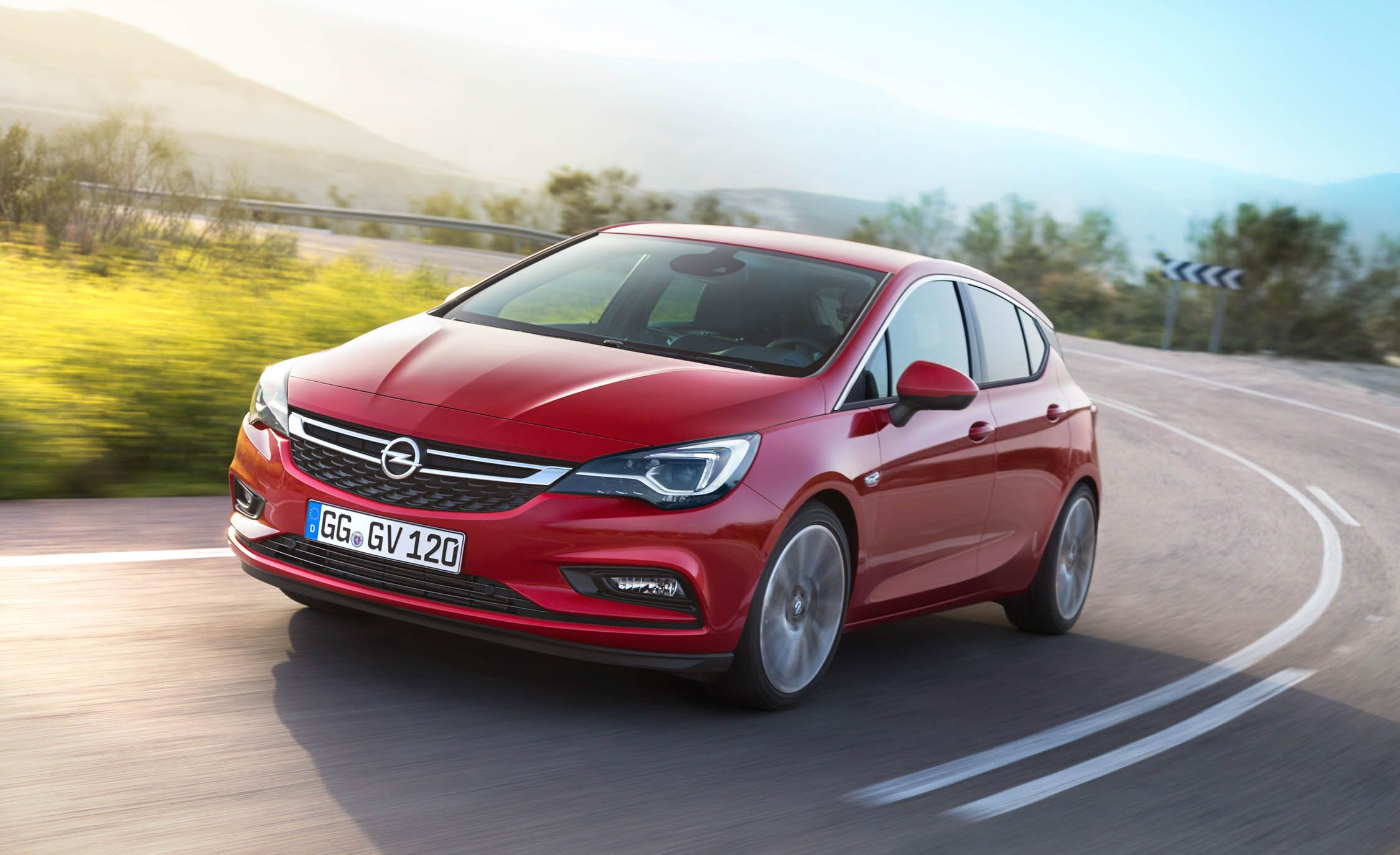 2017 Opel Astra Pictures Photo Gallery Car And Driver