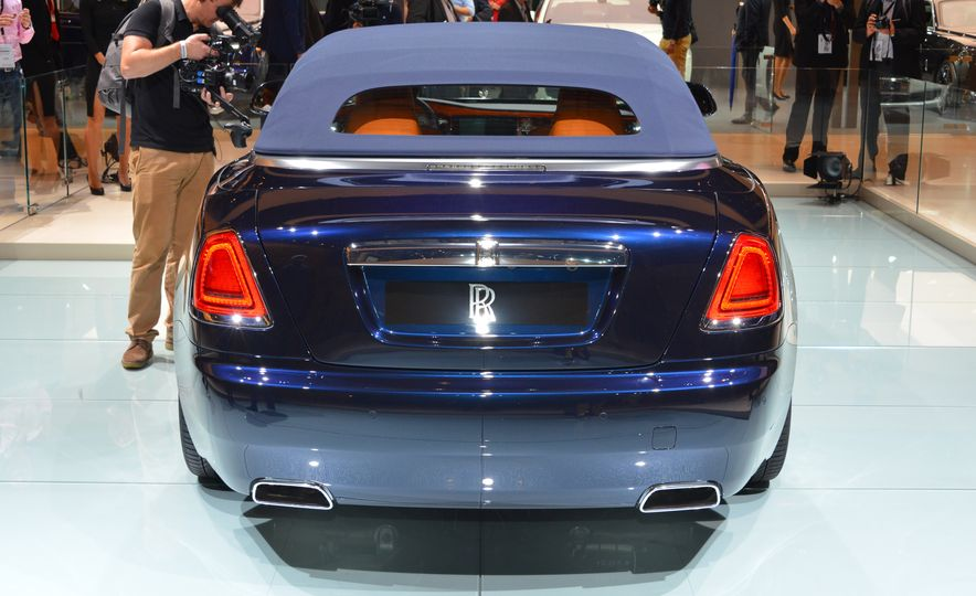 2017 Rolls-Royce Dawn - Slide 3